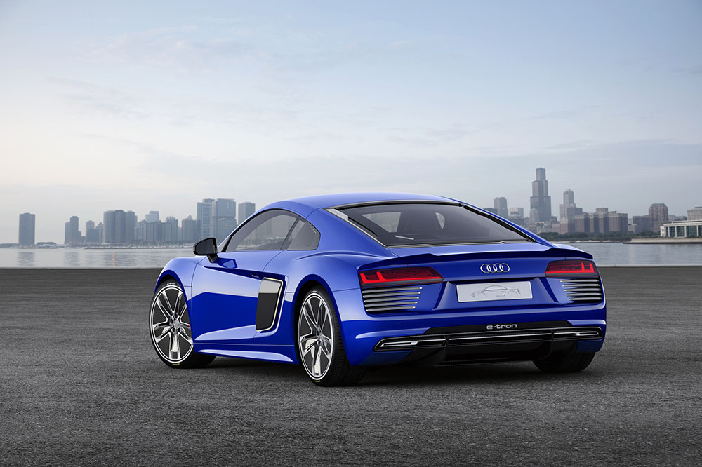audi-r8-etron-piloted-driving-ces150143-1
