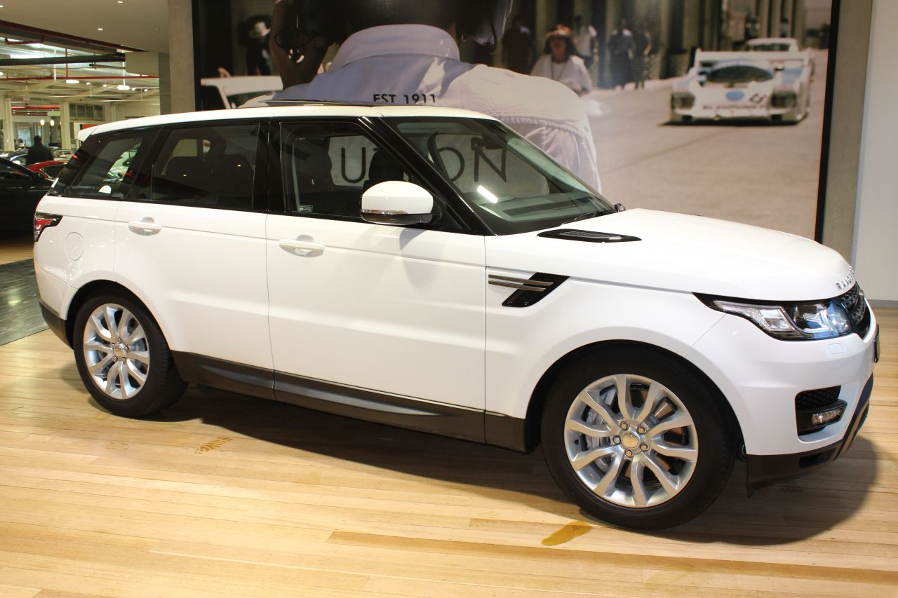 2014 land rover range rover sport l494 my14 5 sdv6 commandshift se. Black Bedroom Furniture Sets. Home Design Ideas