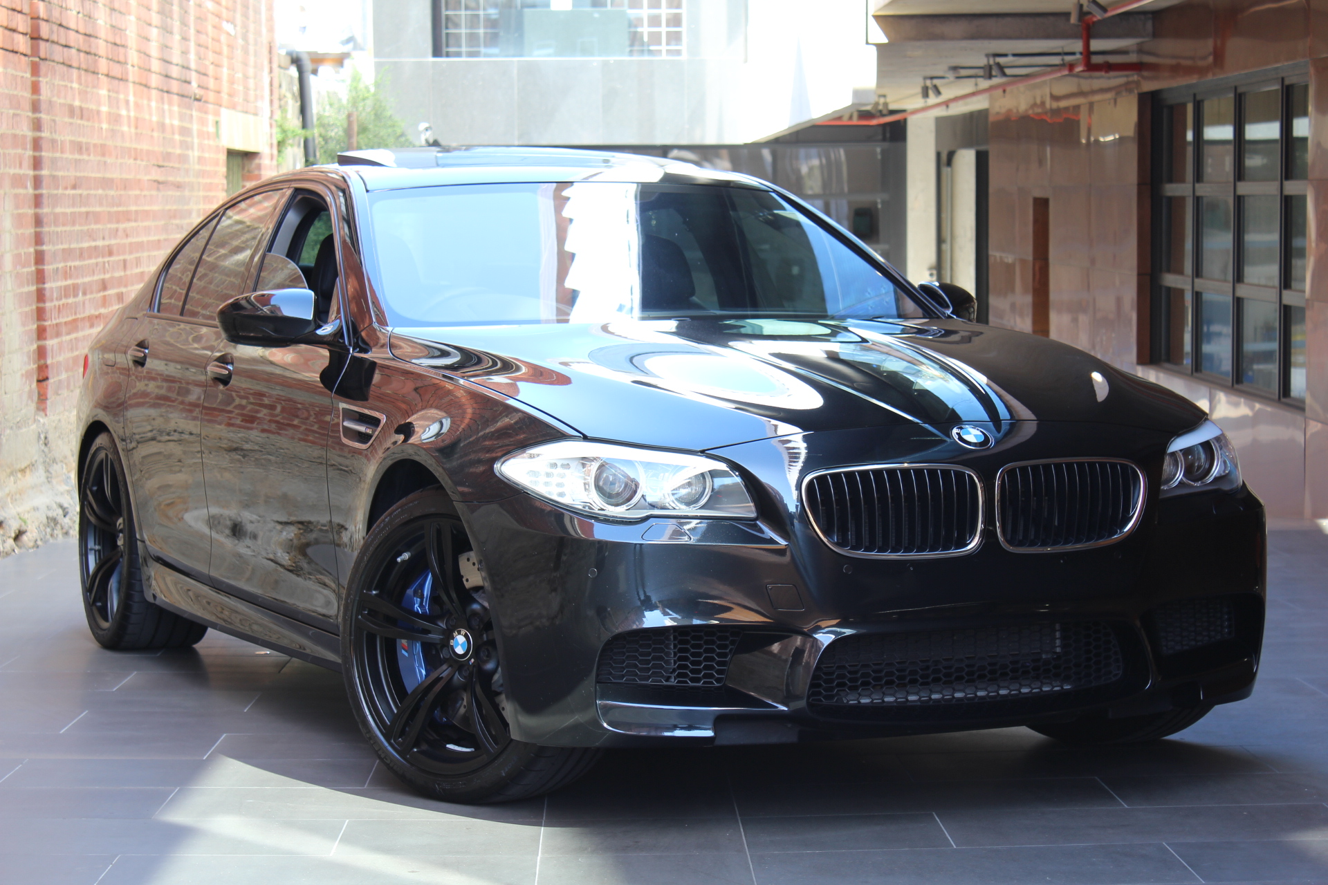 2013 BMW M5 F10 MY13 M-DCT- sold in Australia