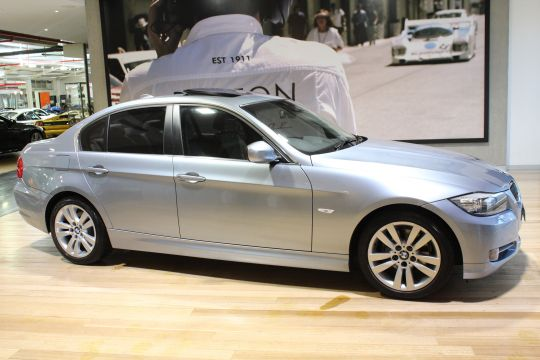 2010 BMW 320i E90 Lifestyle Sedan 4dr Steptronic 6sp 2.0i  - for sale in Australia