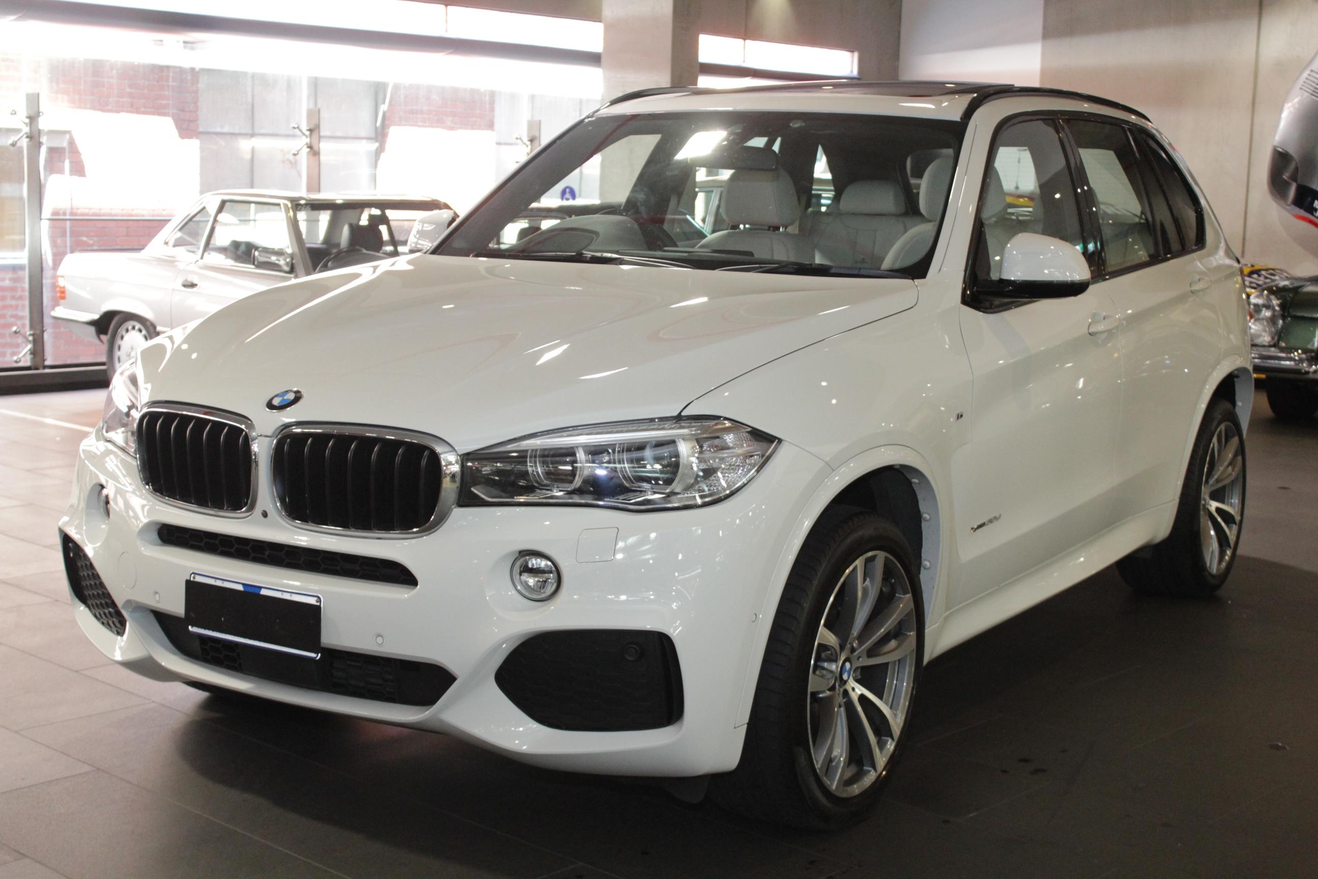2016 BMW X5 F15 xDrive30d Wagon 5dr Spts Auto 8sp 4x4 3 ...