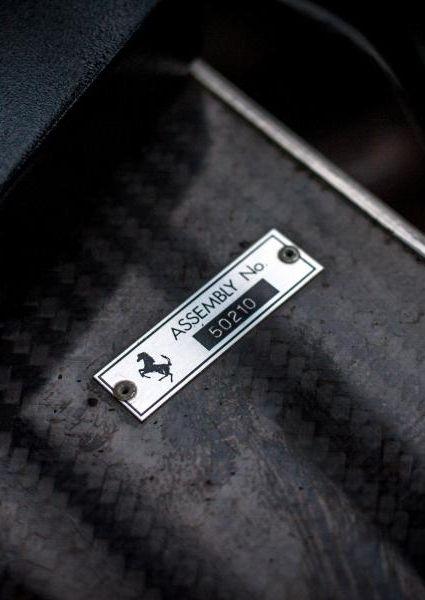 Ferrari-Enzo-40