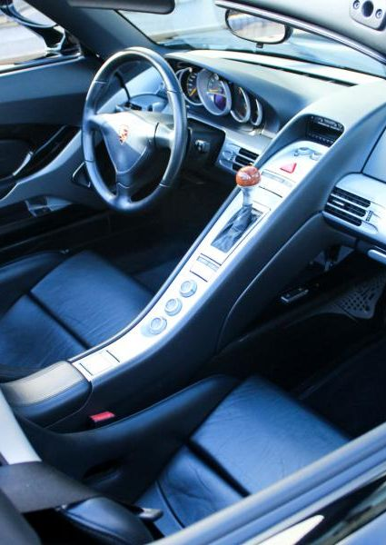 Porsche-Carrera-GT-46