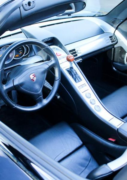 Porsche-Carrera-GT-45