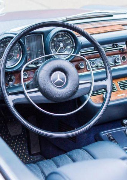 1971-Mercedes-Benz-280SE-3.5-38