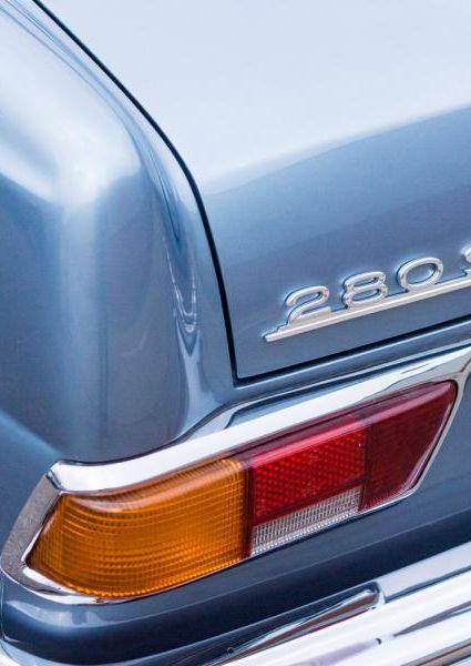 1971-Mercedes-Benz-280SE-3.5-33