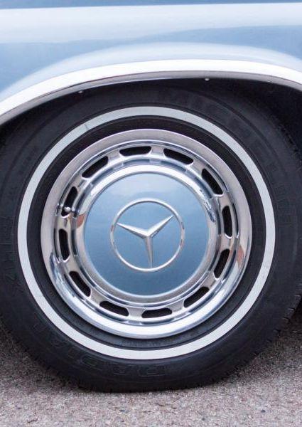 1971-Mercedes-Benz-280SE-3.5-36