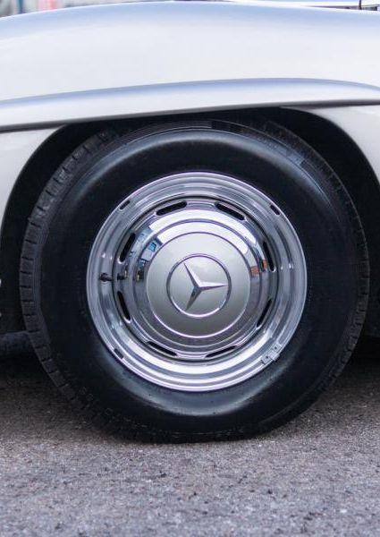 Mercedes-Benz-300SL-Roadster-11