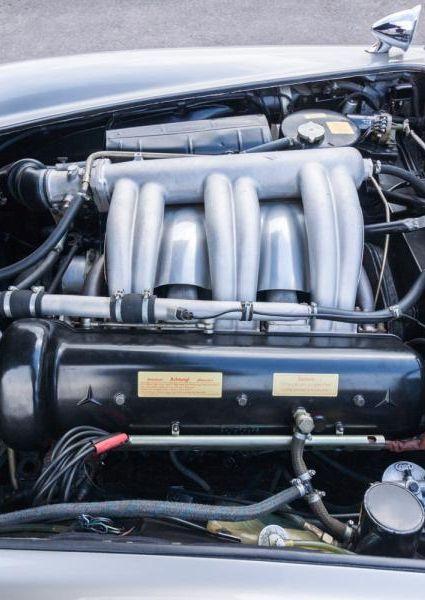 Mercedes-Benz-300SL-Roadster-26