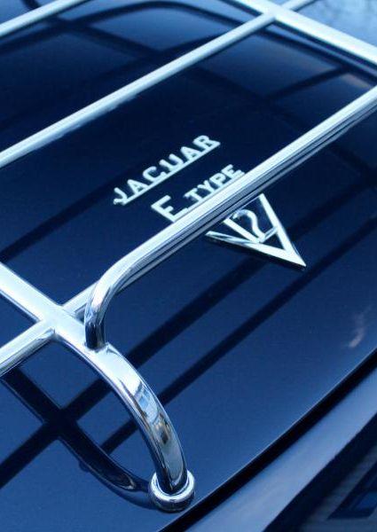 Jaguar-E-Type-S3-V12-16