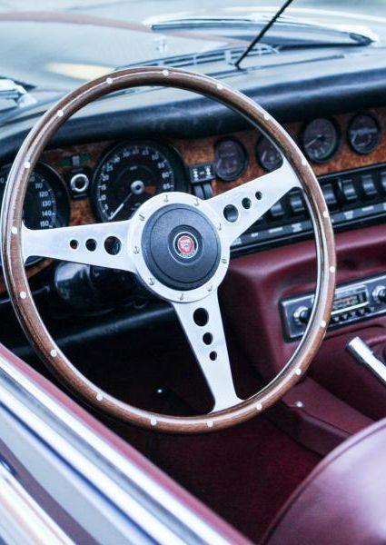 Jaguar-E-Type-S3-V12-20
