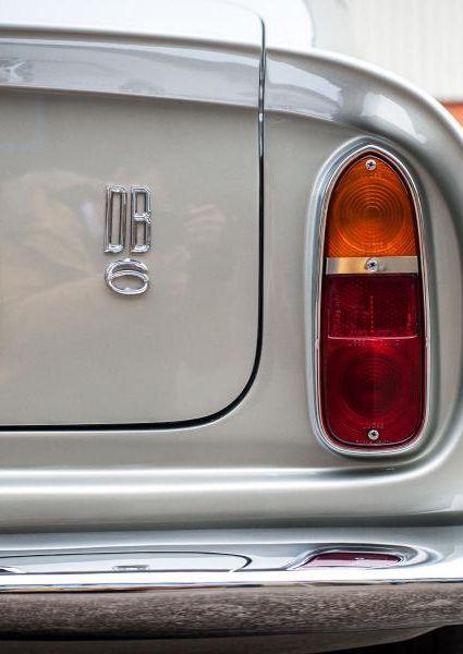 Aston-Martin-DB6-16