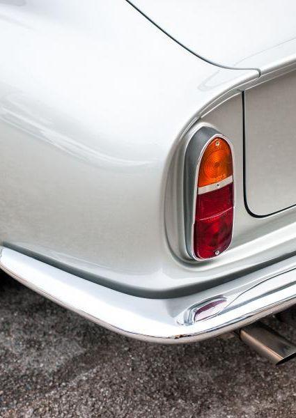 Aston-Martin-DB6-14