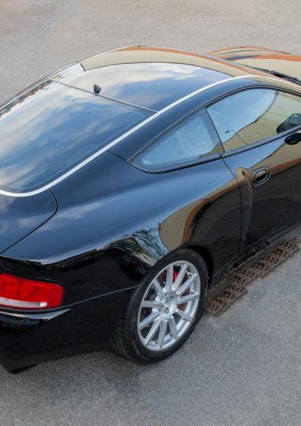 Aston-Martin-Vanquish-S-50